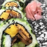 TANAKATSU SUSHI Veggie Roll
